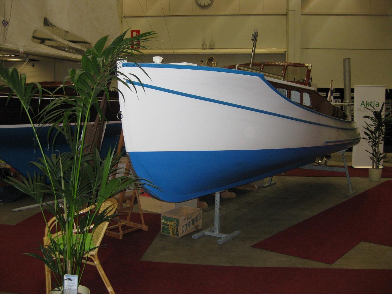Ecostar 1, Kajuuttavene