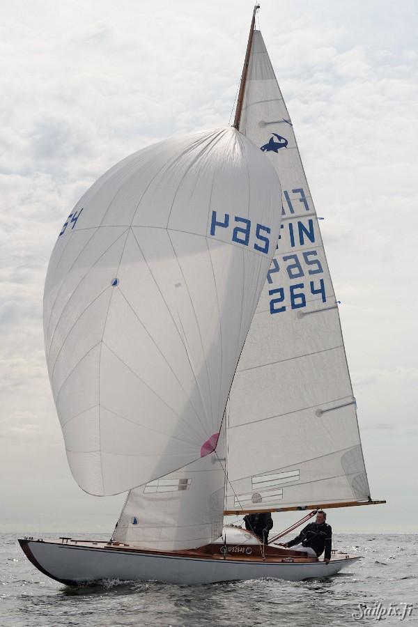 Hai Myrskylintu FIN-264