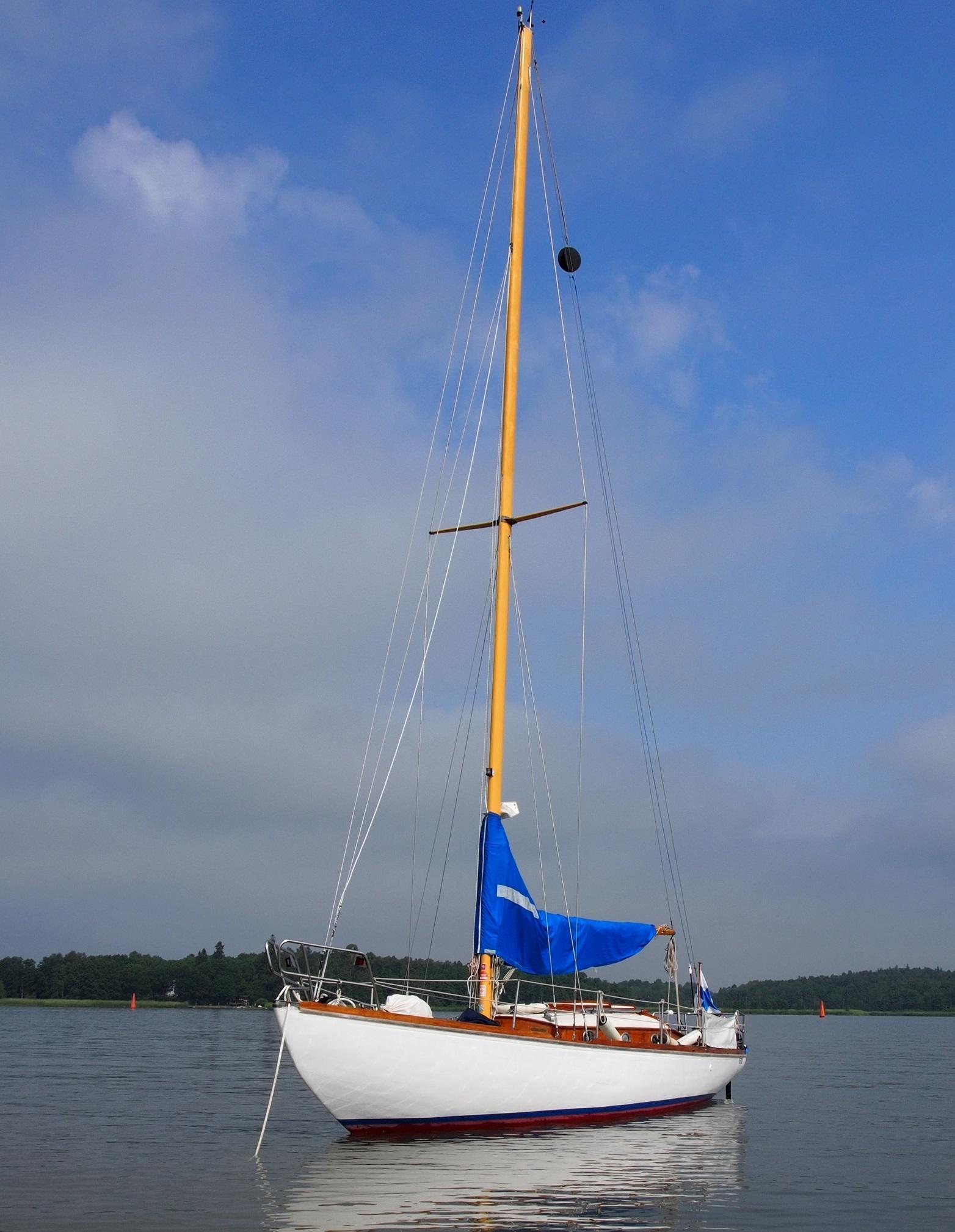 Kustkryssare no. 341 Delfin FIN-272
